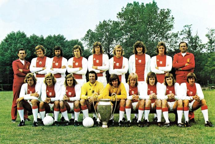 Ajax 73-74 Home Team.jpg